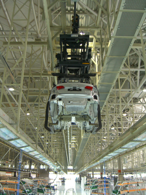 Hanging lift table in retracted position.
