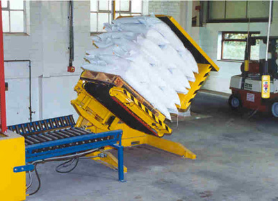 Changer for pallet with sacks.