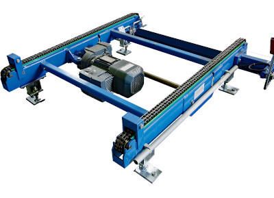 Conveyor with two chains