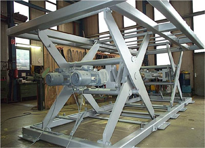 Double spindle tandem table.