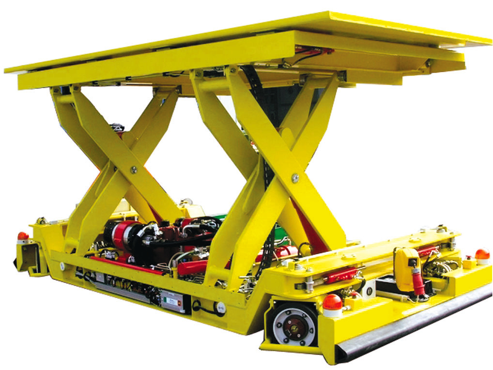 Independent 10 tonne mobile lift table.