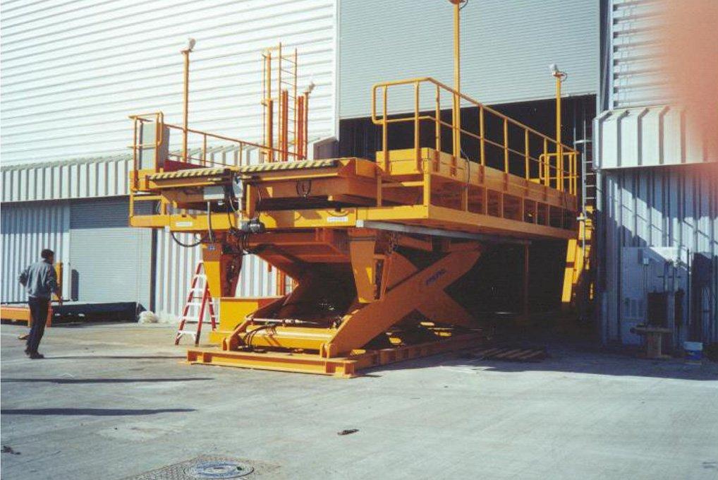 Lift table in hangar.