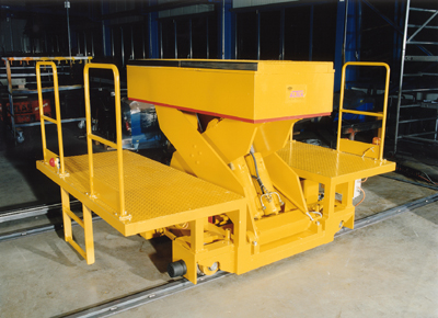 Mobile lift table combined with work platforms and lift table.
