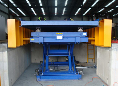 Front view of powered roller lift table.