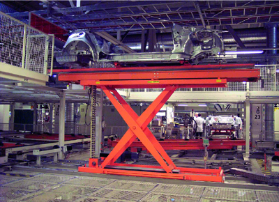 Rigid chain table for automobile chassis transfer.