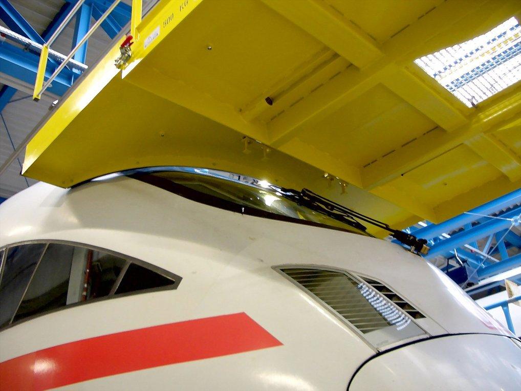 Servicing platform for AVE locomotive.