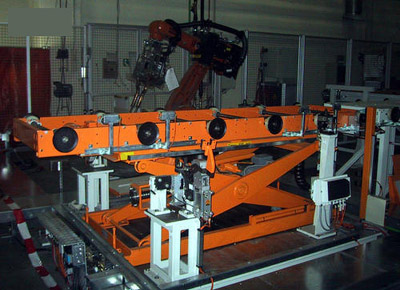 Spindle lift table.